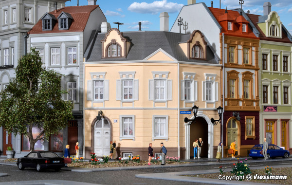 H0 Haus am Schillerplatz