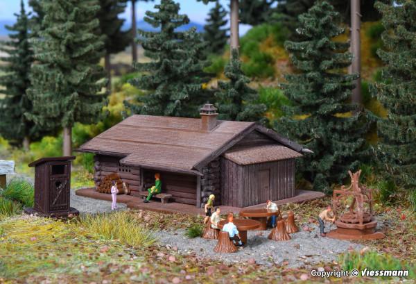 N Grillplatz mit Hütte