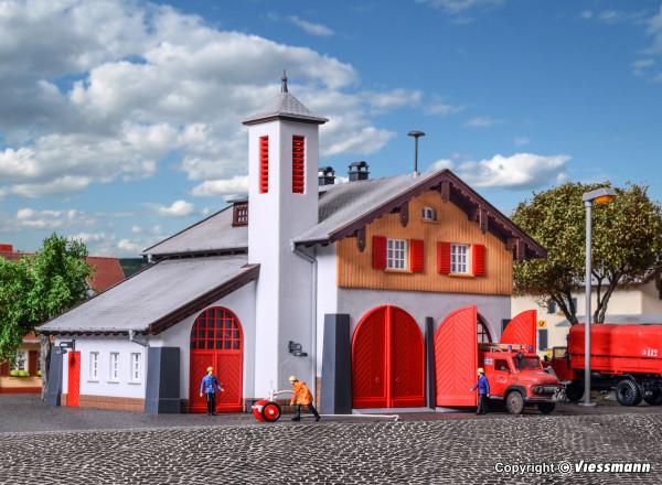 H0 Feuerwehr mit Dorfgemeinschaftshaus