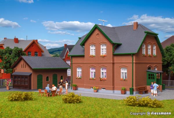 H0 Werkswohnhaus in Bottrop mit Nebengebäude