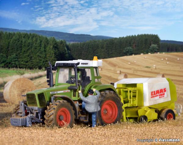 H0 FENDT Traktor mit Anbaugeräten