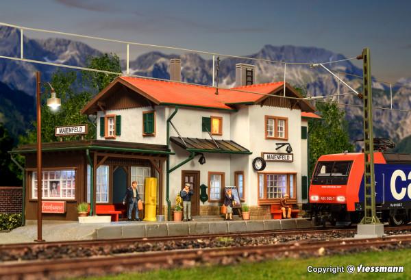 H0 Bahnhof Maienfeld inkl. Hausbeleuchtungs-