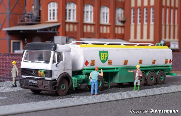 H0 MB 2-achs Zugmaschine mit Tankauflieger BP