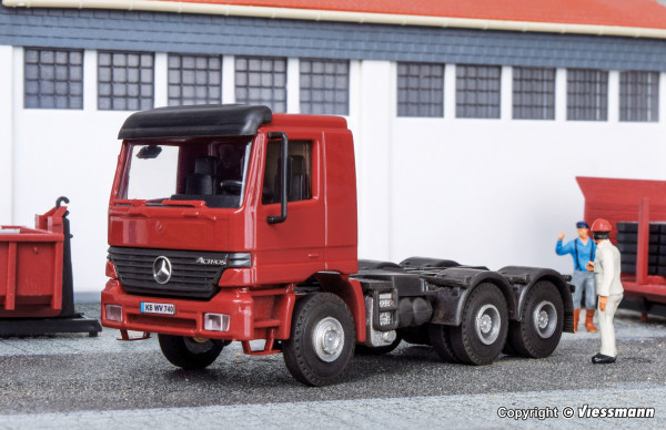 H0 MB ACTROS 3-achs Zugmaschine