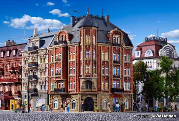 H0 Eckhaus Schlossallee 1
