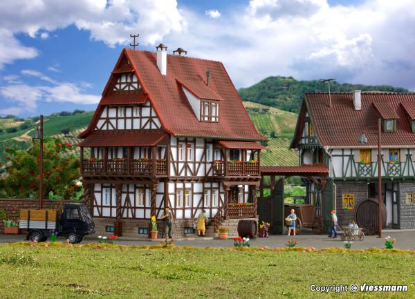 H0 Winzerhaus mit Hoftor