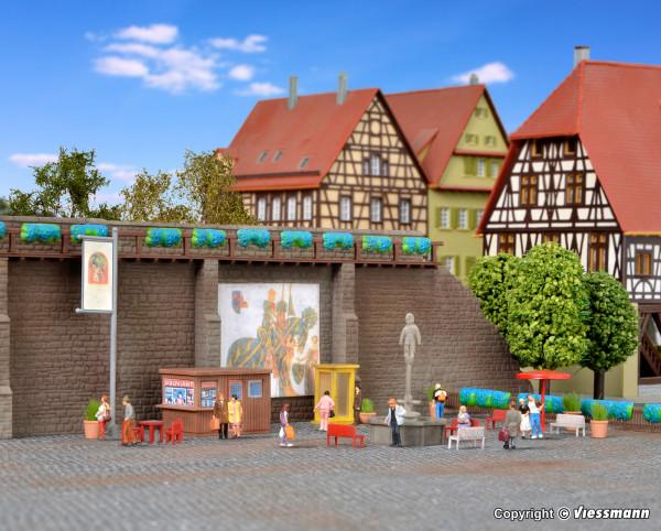 N Stadtmauer mit Ausgestaltungsmaterial