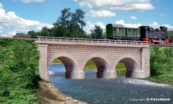 N/Z Erzberg-Brücke mit Eisbrecherpfeilern,