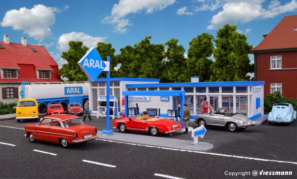 H0 Historische ARAL Tankstelle