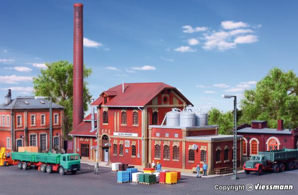 H0 Brauerei mit Inneneinrichtung Kesselhaus
