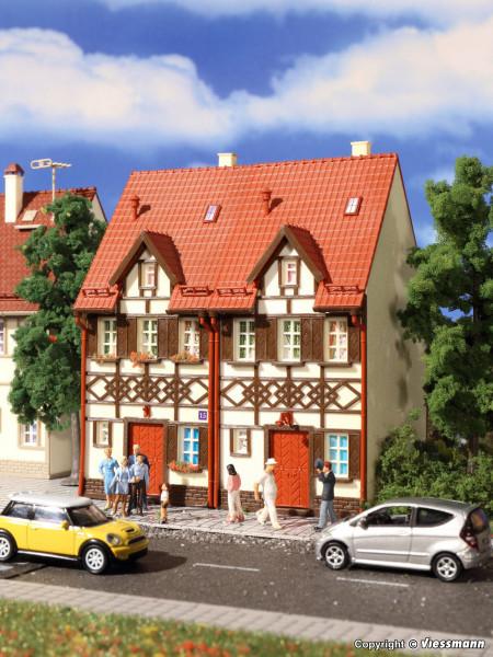 H0 Reihen-Doppelhaus mit Fachwerk
