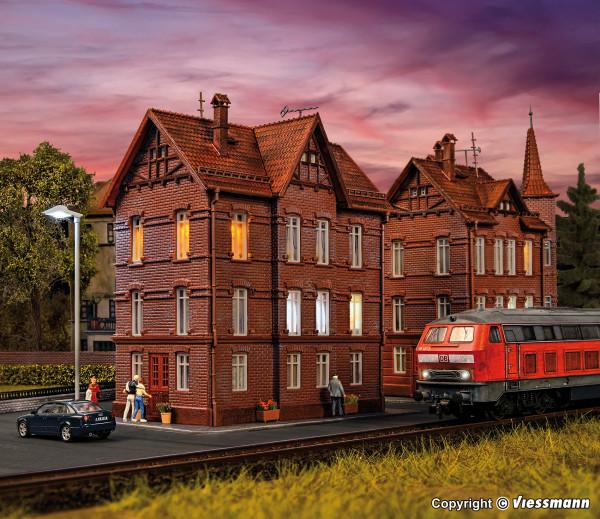H0 Eisenbahner-Wohnhaus mit First