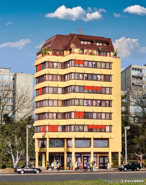 H0 Hochhaus mit Ladenpassage und Penthauswohnung