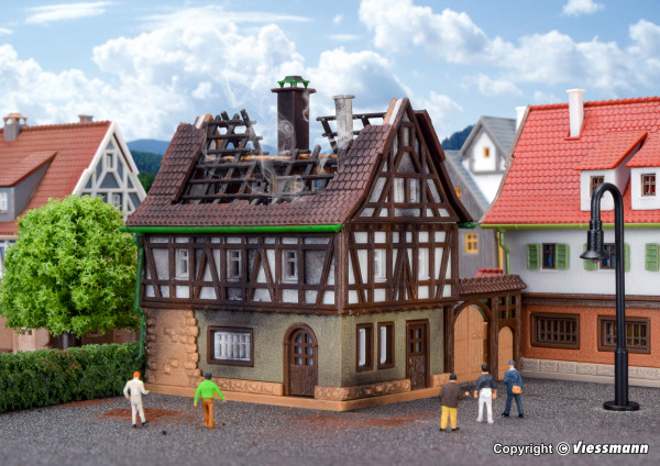 Z Brennendes Haus