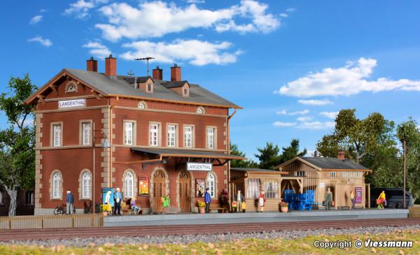 H0 Bahnhof Langenthal mit Nebengebäuden