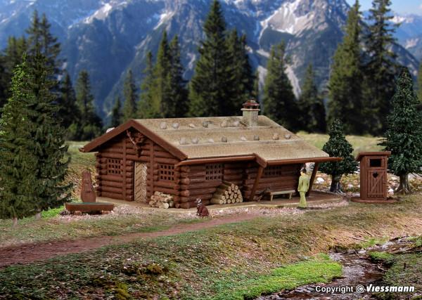 N Jagdhütte mit Brunnen und Häuschen mit Herz