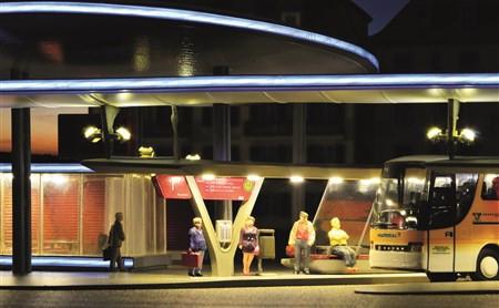 H0 Moderne Bushaltestation mit Segel inkl.