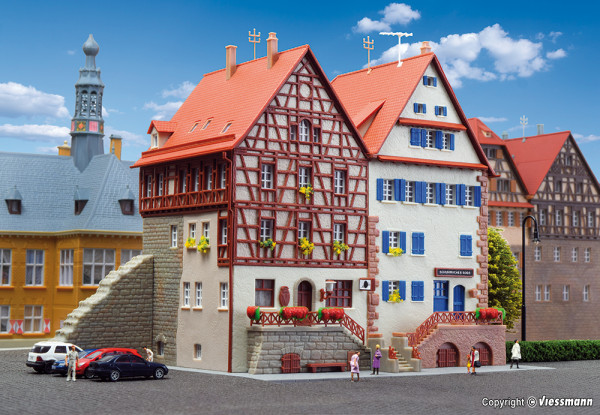 N Fachwerkhaus an der Stadtmauer, 2 Stück