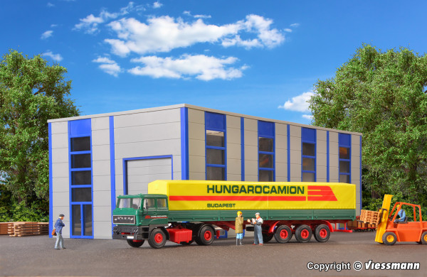H0 RABA 2-achs Zugmaschine mit HUNGAROCAMION