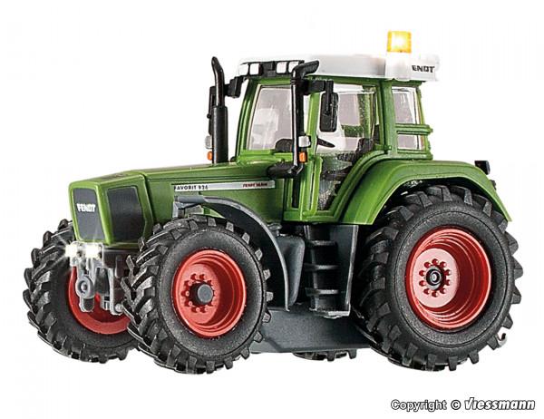 H0 Traktor FENDT mit Beleuchtung und gelbem
