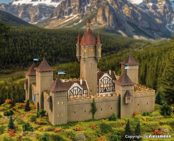 H0 Burg aus dem Mittelalter mit LED-Beleuchtung,
