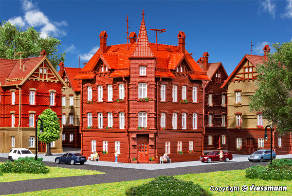 N Eisenbahner-Wohnhaus, Eckhaus
