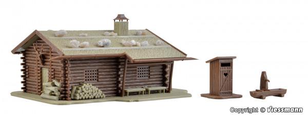 H0 Jagdhütte mit Brunnen und Häuschen mit Herz