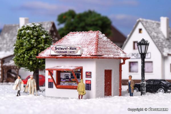 N Kiosk Bratwurst-Maxe mit Kunstschnee