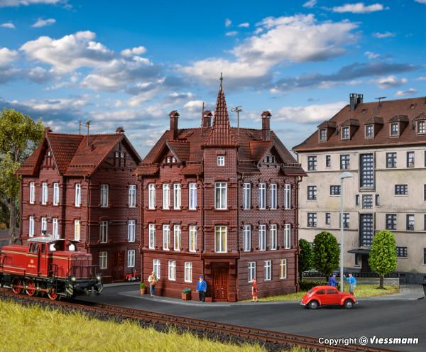 H0 Eisenbahner-Wohnhaus, Eckhaus