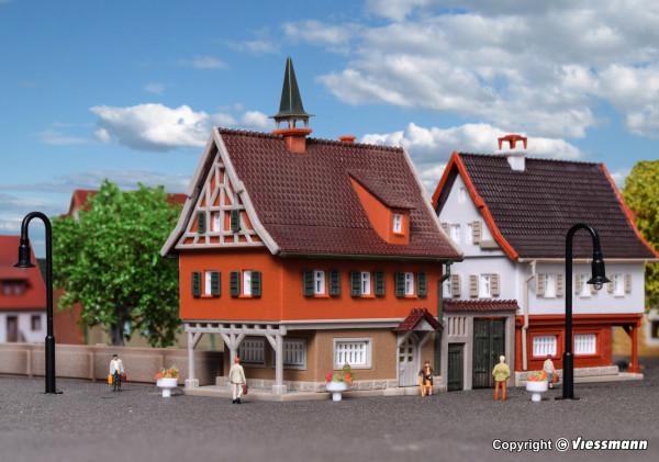 Z Pfarrhaus mit Hoftor