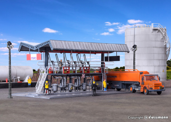 H0 MIRO Abfüllstation mit SCANIA Tankwagen