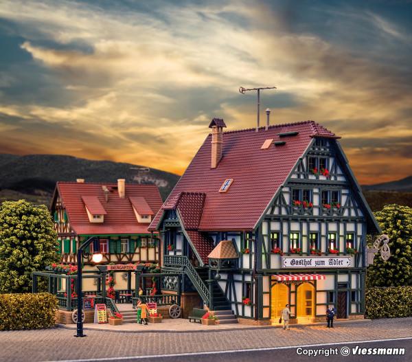 N Gasthaus mit Metzgerei und Inneneinrichtung