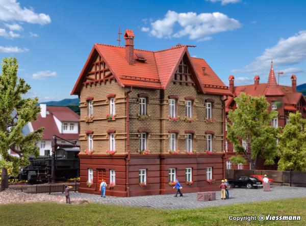 N Wohnhaus am Bahndamm