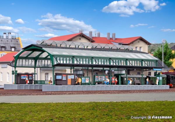 N Bahnsteighalle grün